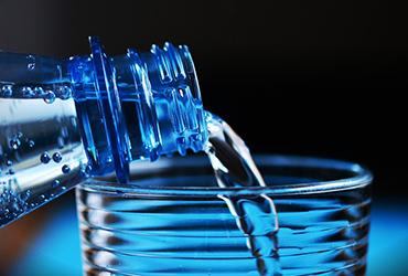 矿泉水包装设计,水中清华:天赋自然流溢